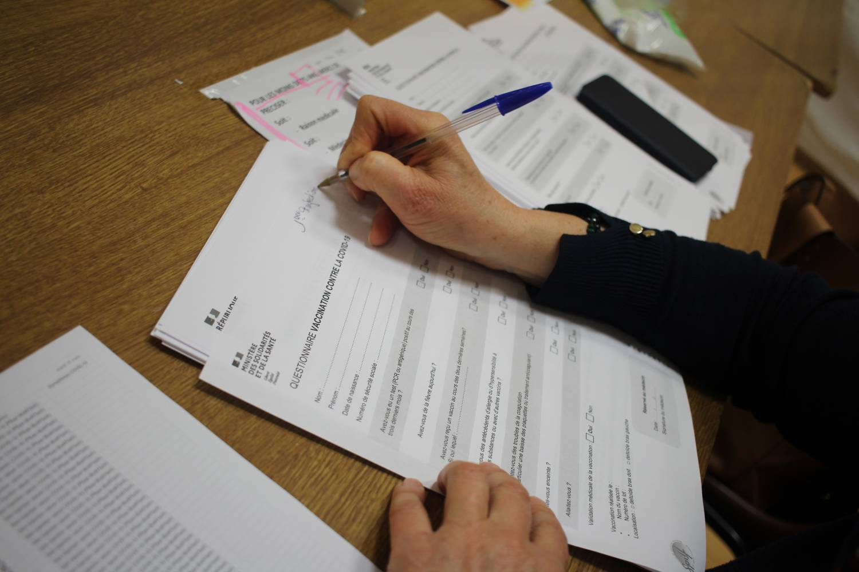 Centre de vaccination à Toucy - Questionnaire médical © Crédit photo : Service communication de la Communauté de communes de Puisaye-Forterre